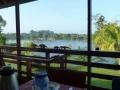 Uitzicht over de rivier